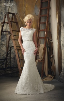 Style 1901 - Venice Lace Appliques on Net Wedding Dress