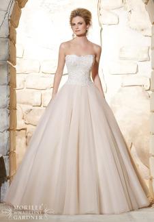 Style 2777 - Elegant Venice Lace Bodice on Classic Tulle Wedding Dress