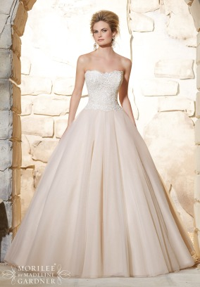 Style 2777 - Elegant Venice Lace Bodice on Classic Tulle Wedding Dress