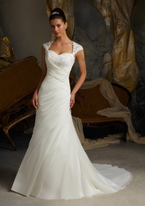 Style 5103 - Delicate Lace Appliques on Delicate Chiffon Wedding Dress
