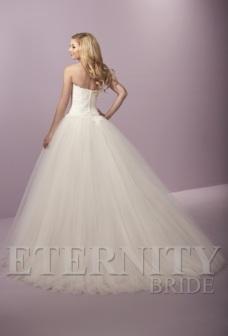 eternity-bridal-d5424-back-amelias-clitheroe