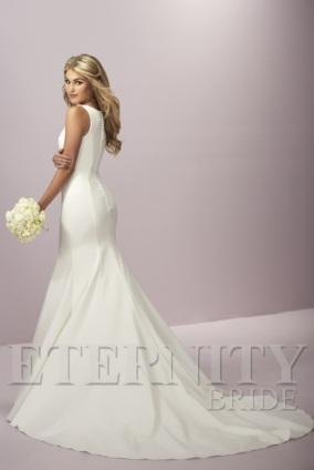 eternity-bridal-d5429-back-amelias-clitheroe