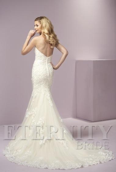 eternity-bridal-d5431-back-amelias-clitheroe