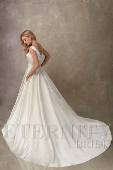 eternity-bridal-d5442-back-amelias-clitheroe