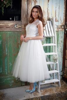 Amelias-Bridal-Amanda-Wyatt-Geena-Size-16