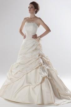 Amelias-Bridal-Ellis-11032-Size-16