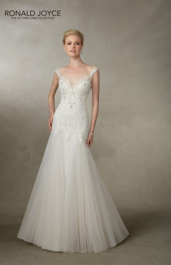 Amelias-Bridal-Ronald-Joyce-18001-Jacinta-Size-20