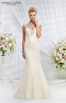 Amelias-Bridal-Ronald-Joyce-69003-Elizabeth-Size-12