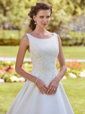 Rebecca-Ingram-Wedding-Dress-Brooke-Amelias-Bridal-Clitheroe-Zoom