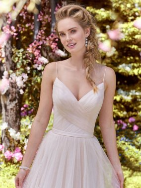 Rebecca-Ingram-Wedding-Dress-Maxine-Amelias-Bridal-Clitheroe-Zoom