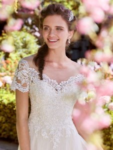 Rebecca-Ingram-Wedding-Dress-Michelle-Amelias-Bridal-Clitheroe-Zoom
