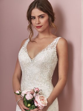 Rebecca-Ingram-Elora-Amelias-Bridal-Clitheroe-Lancashire-Zoom