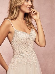 rebecca-ingram-mayla-9rc000-main-amelias-bridal-clitheroe-2