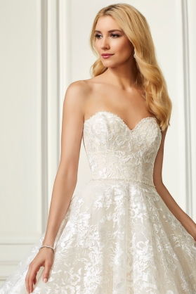 Adrianna Papell-31100-Amelias-Bridal-Clitheroe-Zoom
