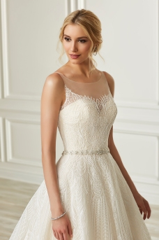 Adrianna Papell-31105-Amelias-Bridal-Clitheroe-Zoom