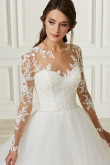 Adrianna Papell-31107-Amelias-Bridal-Clitheroe-Zoom