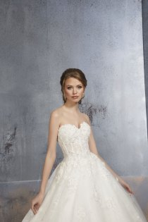 MGNY-Dolly-51506-Amelias-Bridal-Lancashire-2