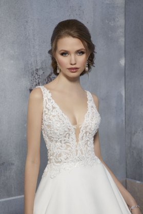 MGNY-Dominique-51504-Amelias-Bridal-Lancashire-1