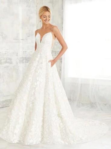 Adrianna-Papell-Amelias-Clitheroe-Wedding-Dresses-Lancashire-AP-31125