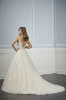 Christina-Wu-Amelias-Clitheroe-Wedding-Dresses-Lancashire-15701-2