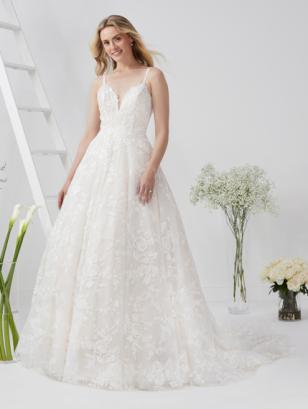 Eternity-Bridal-D5805-Amelias-Clitheroe-Wedding-Dresses-Lancashire